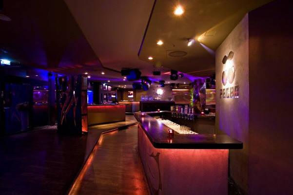 Мюнхен клуб ночной ночные клубы москвы список с адресами