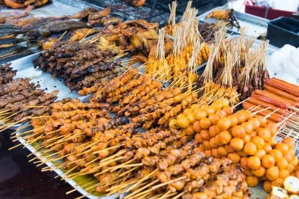 Тайские шашлычки из курицы на шпажках Гай Сате