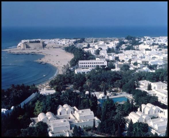 где лучше хаммамет или монастир